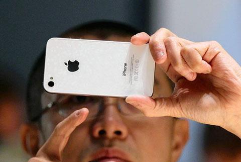 El iPhone 4 blanco, retrasado para la primavera de 2011 6