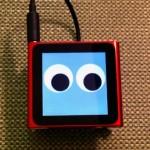 Robots bailarines basados en iPod, iPhone e iPad