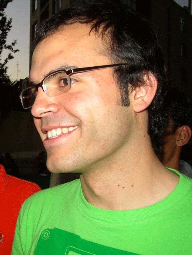 Pionero de los blogs en Irán, es condenado a 19 años de cárcel 2