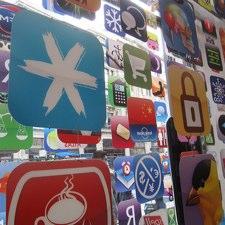 Jimmy Wales dice que Apple es un peligro para la libertad en la red 8