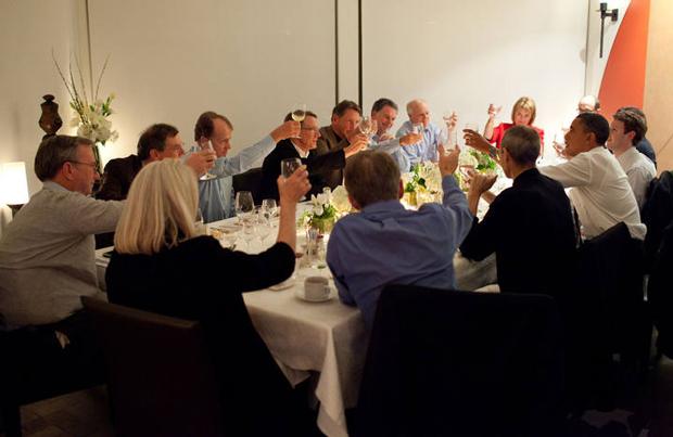 Presidente de los Estados Unidos se Reúne con Steve Jobs, Mark Zuckerberg y Eric Schmidt 2