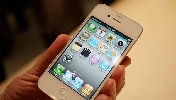 Steve Wozniak dice que el iPhone 4 blanco esta cerca 1
