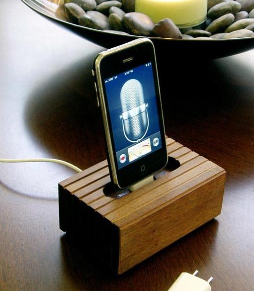 Dock artesanal para iPhone e iPad 1
