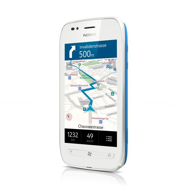 Nokia se burla del problema del nuevo iPhone al sostenerlo con la mano izquierda 4
