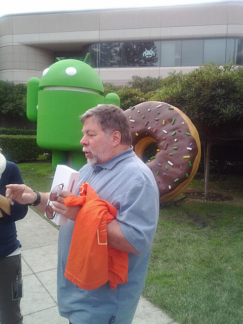 Google le regala a Steve Wozniak, Co-fundador de Apple, un Samsung Galaxy Nexus 3