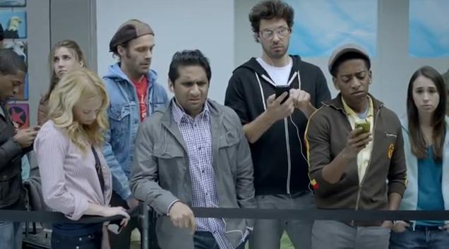 Samsung lanza divertido comercial durante la Super Bowl, siguiendo la crítica a los usuarios de Apple