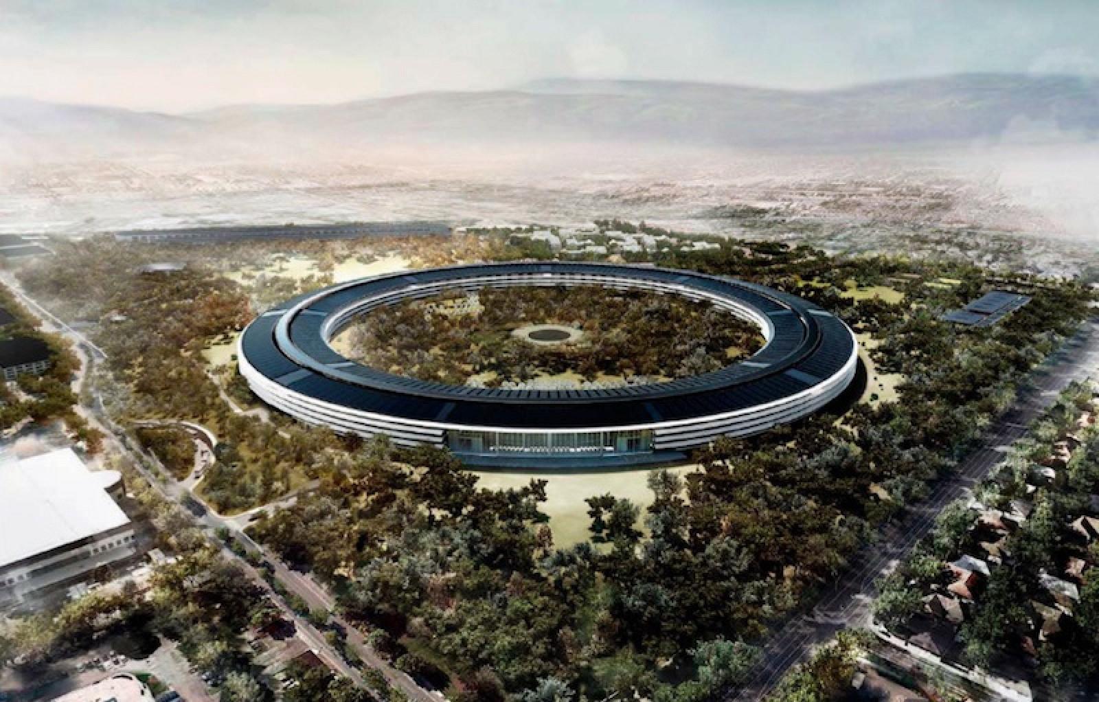 Dron capta imágenes de la construcción del nuevo campus de Apple 1